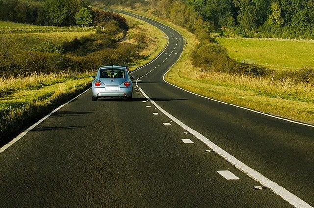 נהיגה בצד שמאל